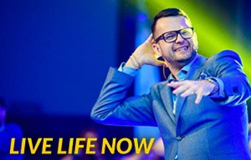 Jakub B. Bączek - Live Life Now